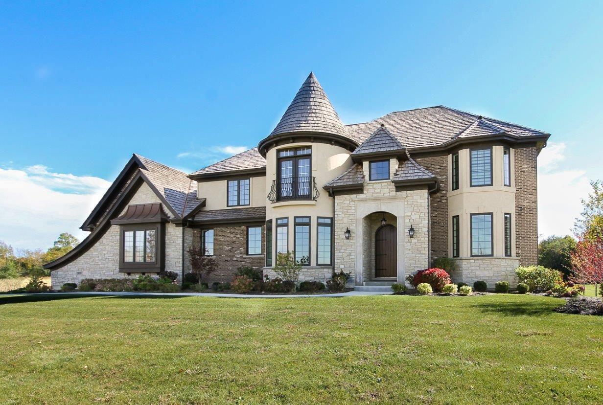 Explore the Advantages of Building a New Home